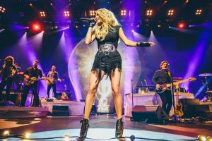CarrieUnderwood-DN-0220_23068672 (1)