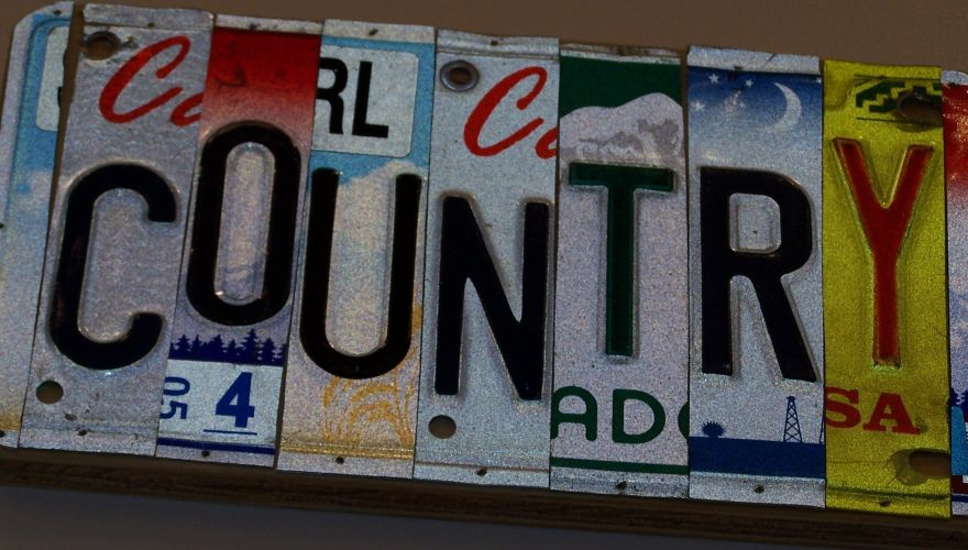 country-license-plate-from-mim-gift-shop-photo-lynn-trimble