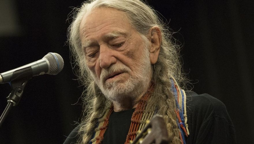 willie-nelson-think country