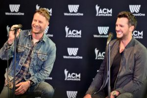 dierks-bentley-luke-bryan-acm-awards-live-stream-how-to-watch